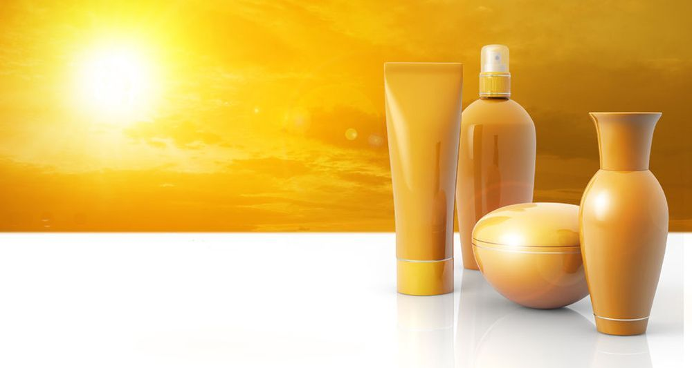 los-7-productos-indispensables-protegerse-del-sol-cosméticos-piel-cabello-2017
