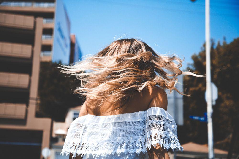 luce-un-cabello-sano-este-verano-belleza-2017