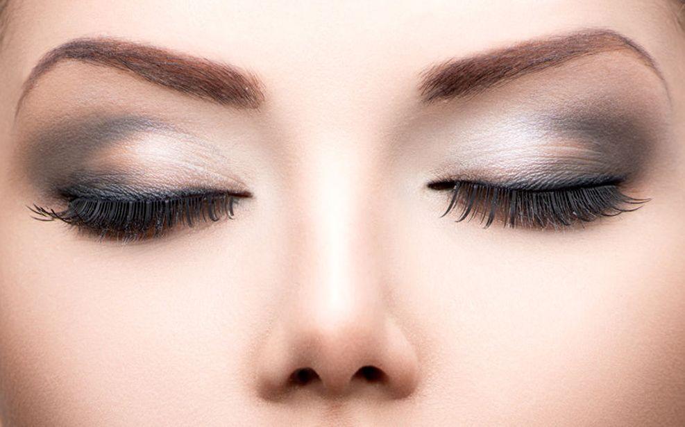 delinea-tus-cejas-lucir-una-mirada-espectacular-maquillaje-ojos-2017