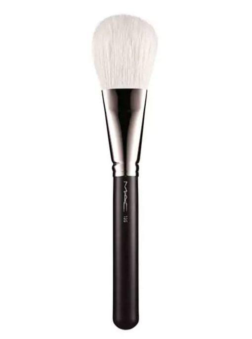 135-large-flat-powder-brush-brocha-maquillaje-mac-cosmeticos