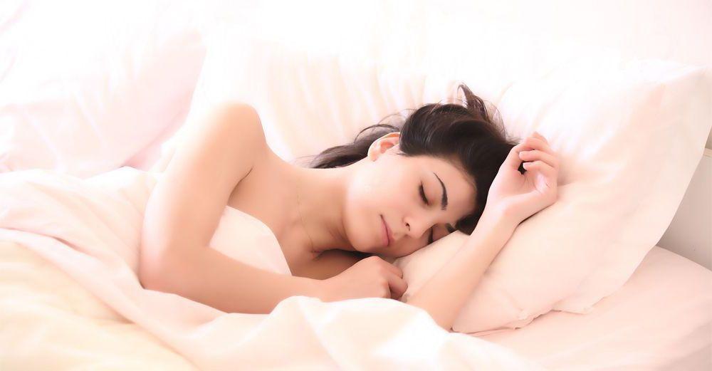 rutina-belleza-antes-dormir-cremas-piel-2017